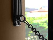 マンションのドアの鎖
