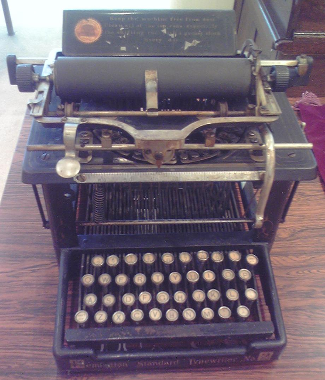 菊武学園の「Remington Standard Typewriter No.2」