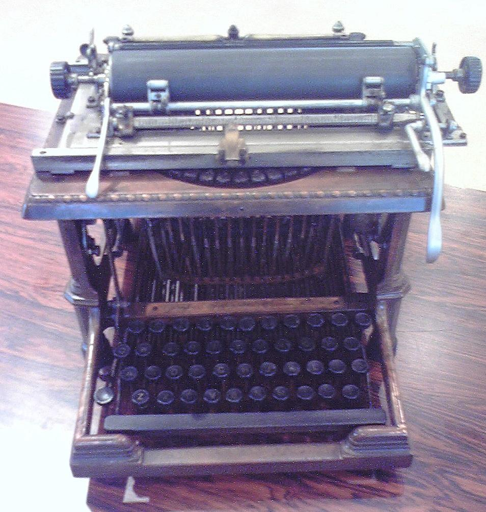 菊武学園の「Remington-Sholes Typewriter」