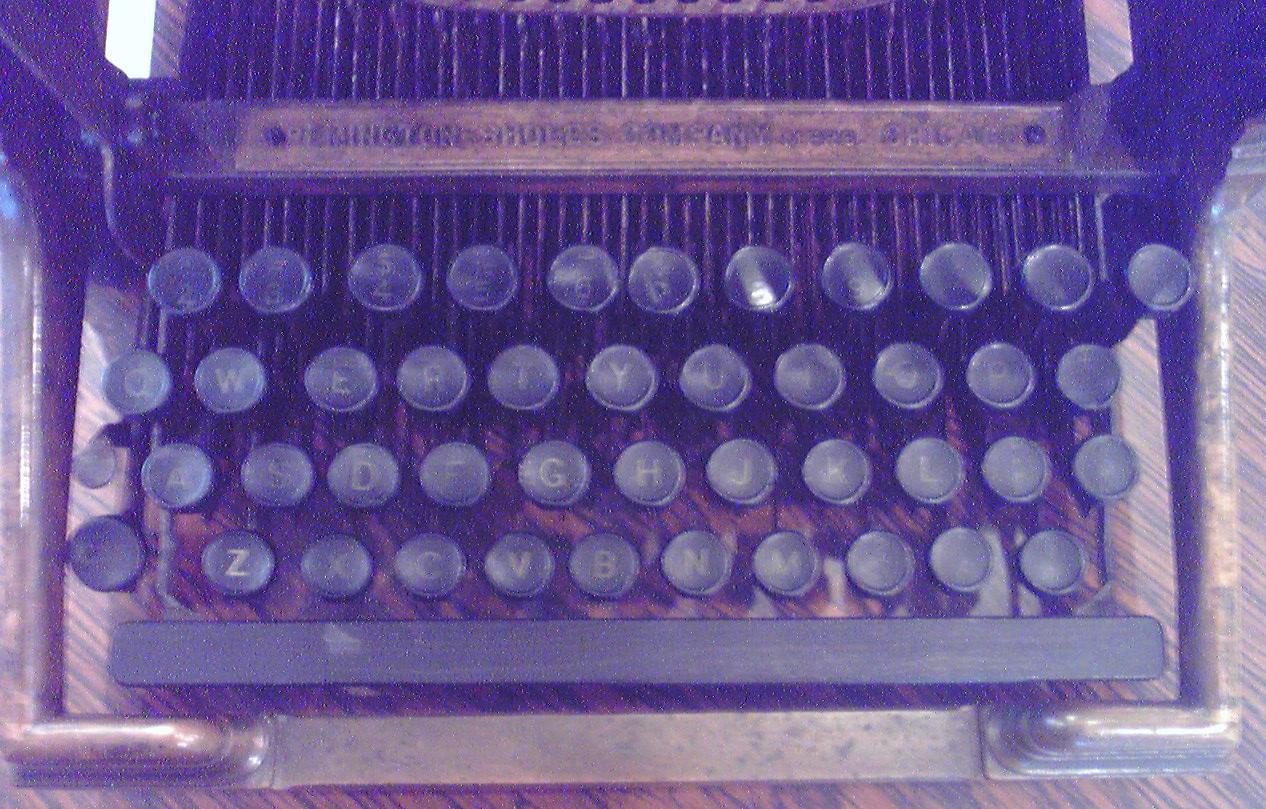 菊武学園の「Remington-Sholes Typewriter」のキーボード