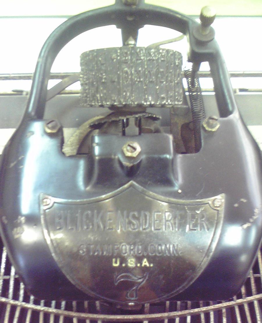 伊藤事務機の「Blickensderfer No.7」のタイプ・ホイールと銘板