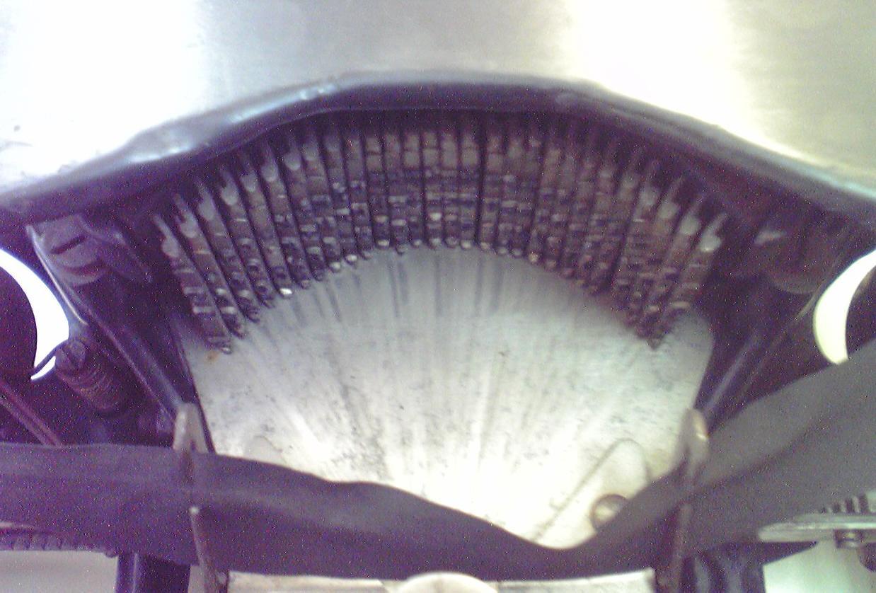 伊藤事務機の「Empire Typewriter」のタイプバー(活字棒)
