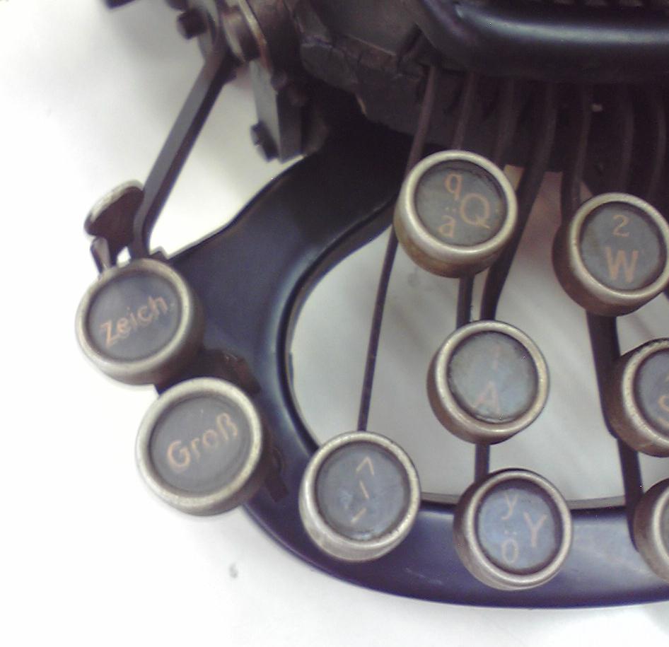 伊藤事務機の「Rofa」キーボード左端